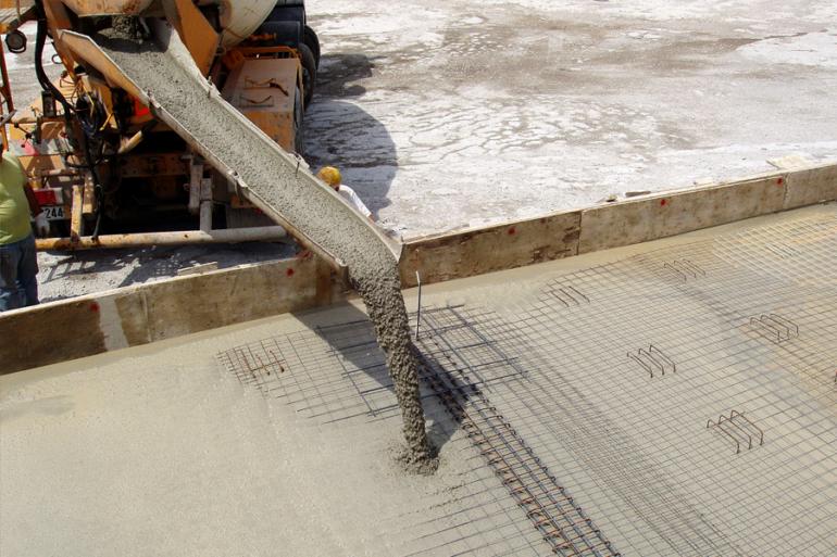 Заливка гидротехнического бетона