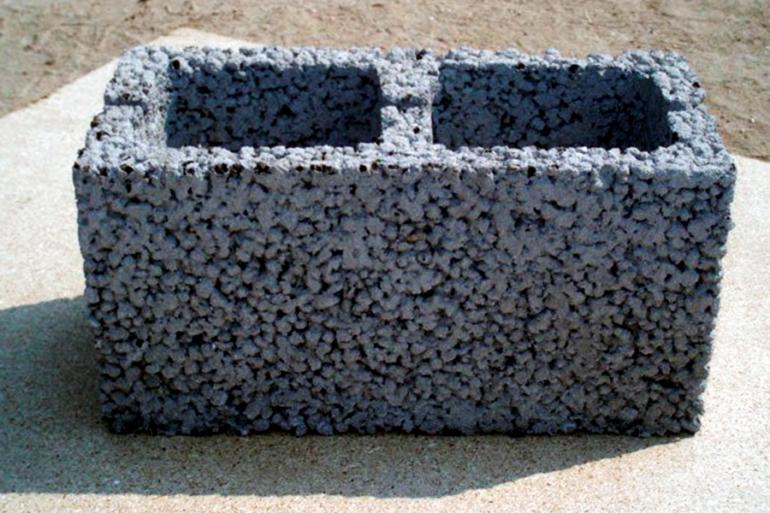 Блок из легкого бетона